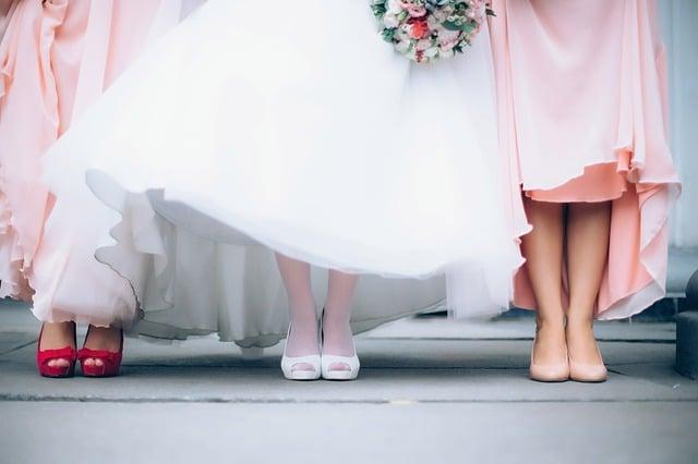 Wie finde ich das perfekte Brautjungfernkleid?